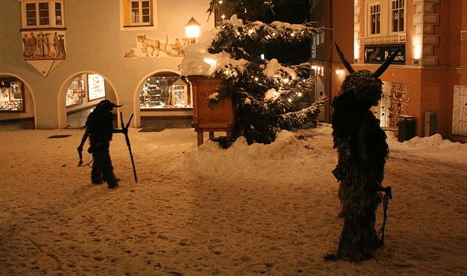 Typisch Oostenrijks: Christkind, Weihnachtsgebäck en Krampus