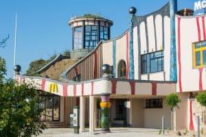 Hundertwasser restaurant langs de A2