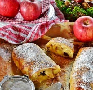 Wenen met kinderen apfelstrudel bakken