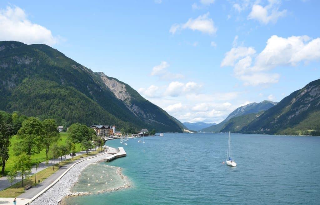 Route naar Tirol langs de Achensee